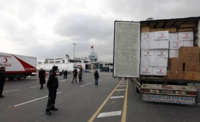 Turkish evacuation ship anchors off Crete