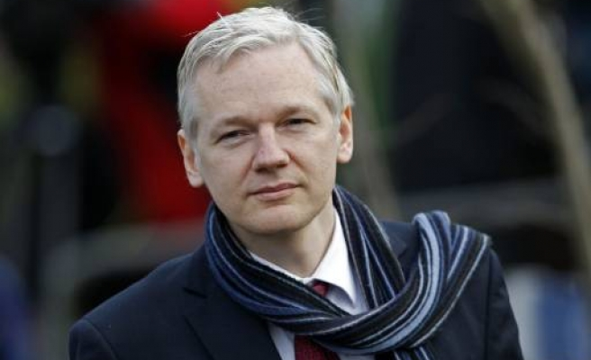 UK court approves Assange extradition to Sweden