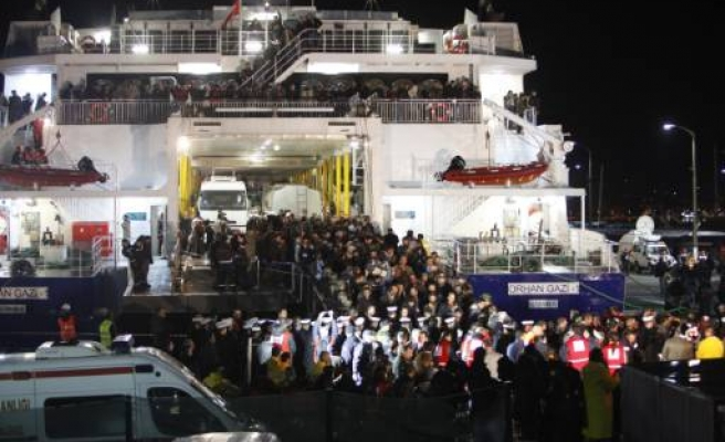 Turkey evacuates more Turks, foreigners from Libya / PHOTO