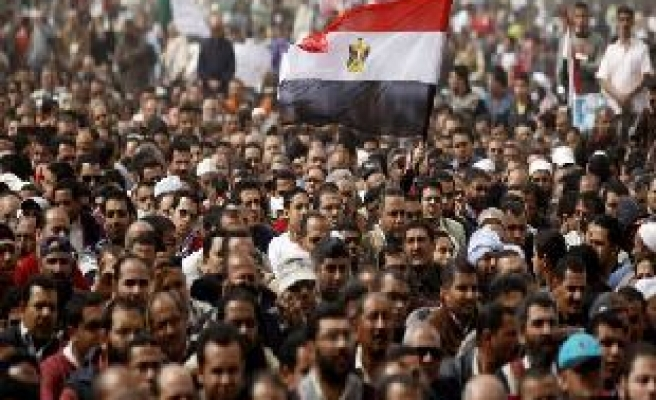 Egypt army says sorry after protester clashes