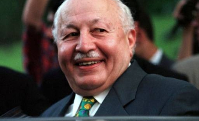 Turkey's ex-PM and Islamist leader Erbakan dies