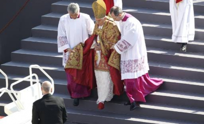 Pope appoints six cardinals who will elect his successor