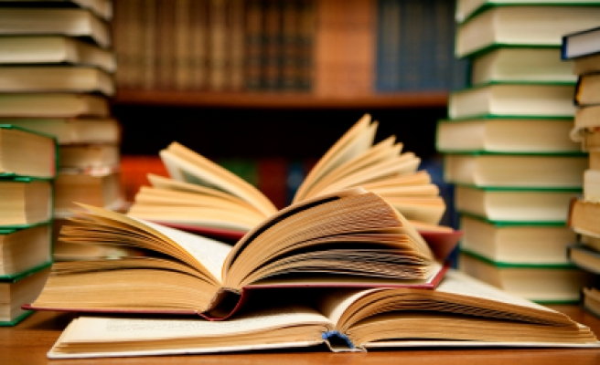 Germany returns books stolen from Italian libraries