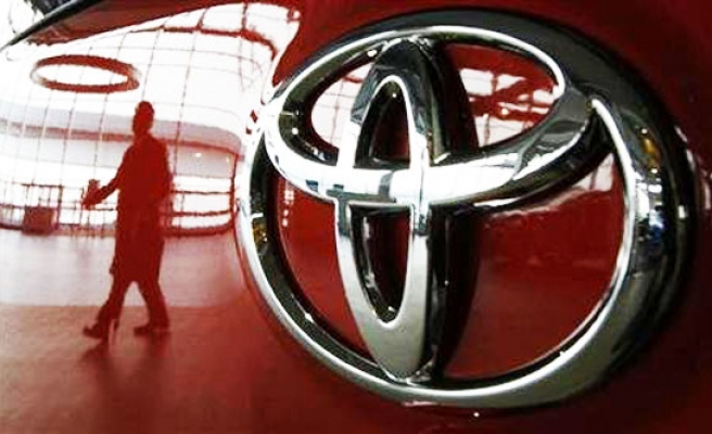 Toyota close to $1 bln deal to settle US probe