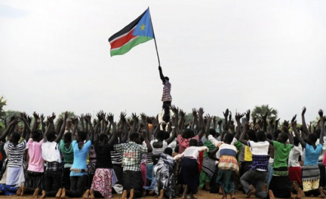 Two S. Sudan politicians barred from travel