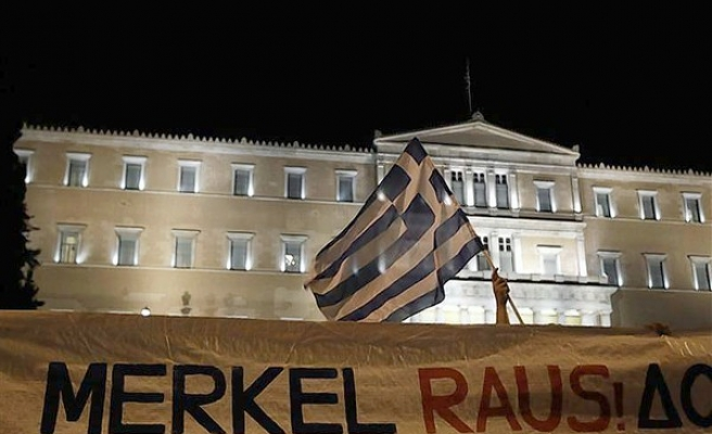 Germany offers fund to defuse Greek war reparation claims