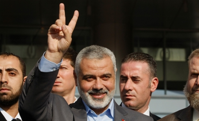 Hamas, Fatah announce reconciliation agreement, Israel cancels meeting- UPDATED