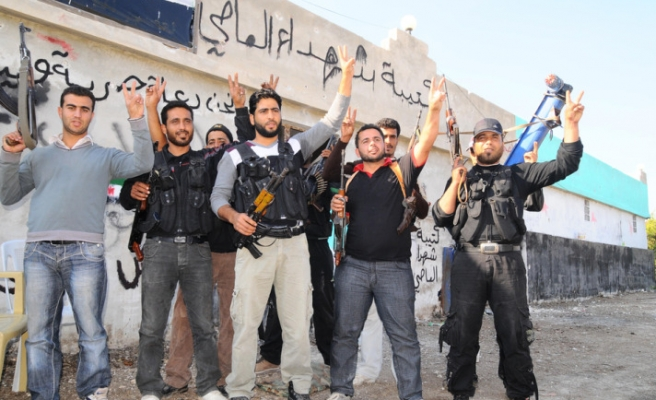Syria fighters claim six towns in Hama