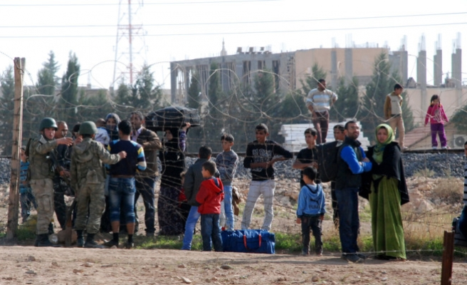 The number of fled Syrians to Turkey is 107,769