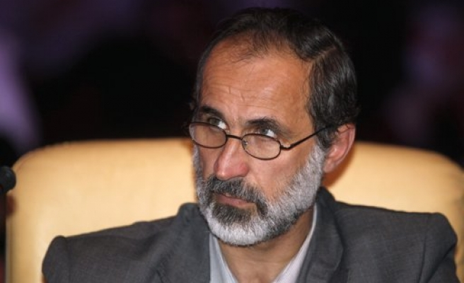 Syrian opposition in Cairo talks to form transitional government
