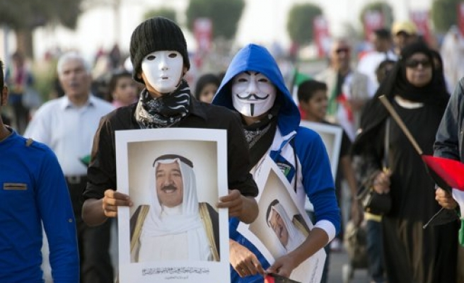 Kuwait opposition calls for elected government, reforms