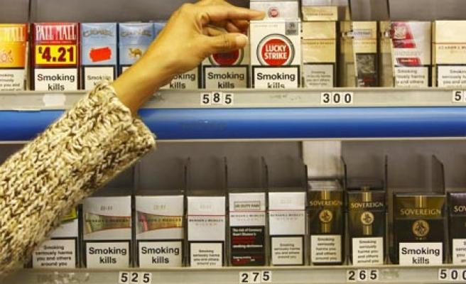 Teens may buy less tobacco when displays are hidden: study