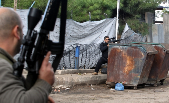 Two killed in sectarian clashes in Lebanon's Tripoli