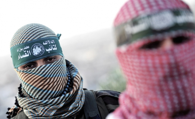 Hamas offers Israeli spies for captured fighters swap