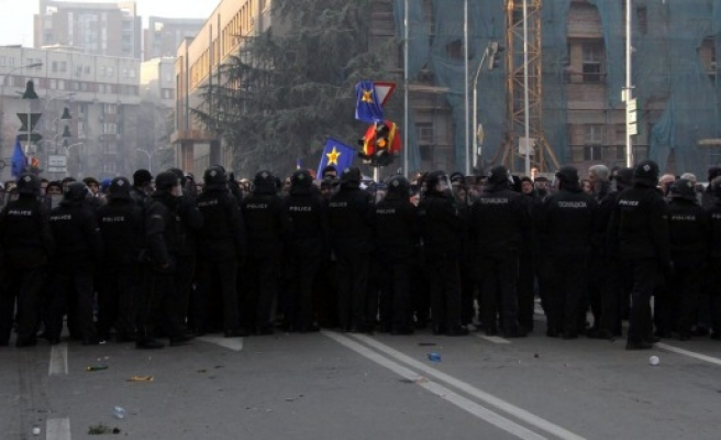 Macedonian opposition rallies to demand early elections