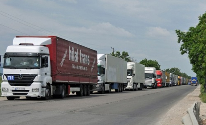 Brazil hopes for end of truck strike on eighth day