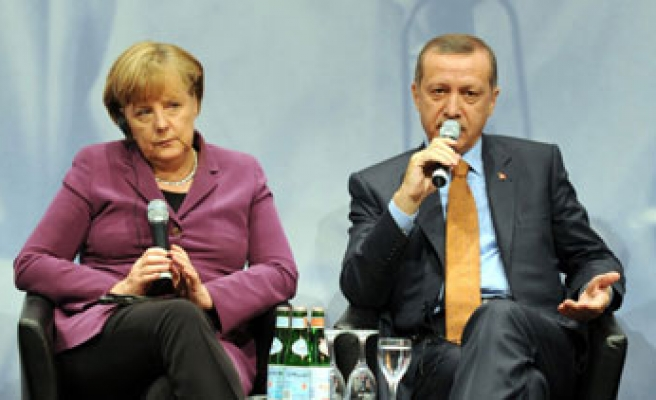 Merkel and Erdogan: Ukraine sovereignty must be protected at all costs