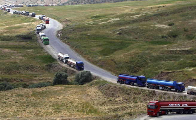 Turkish drivers still delayed at Iran border