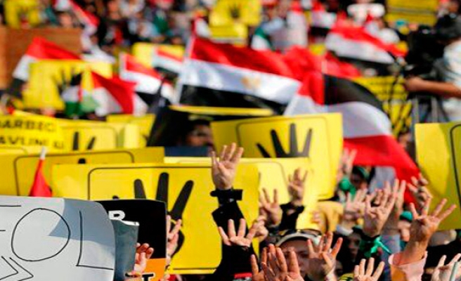 Friday clashes in Egypt leave 10 dead