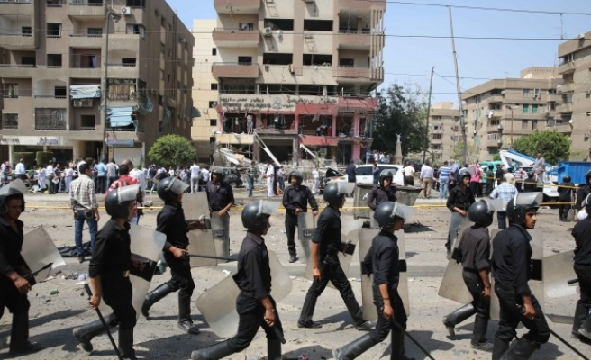 Egypt's low-rank policemen protest for higher salaries