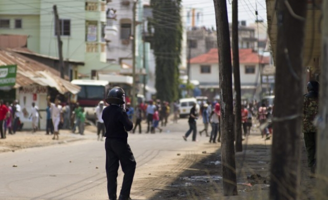 Youths riot in Kenya for third time over mosque raid