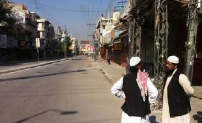 Violence spreads in Pakistan after days of unrest