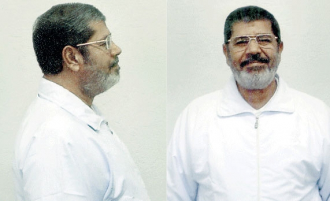 Morsi in court for 9th Ittihadiya trial session
