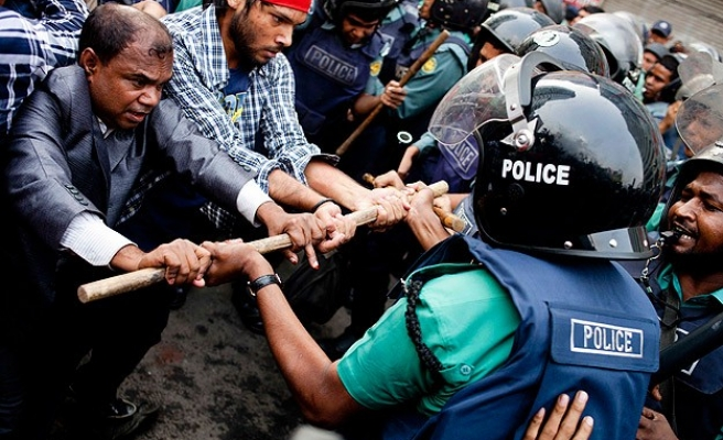 Bangladesh opposition says 300 men killed, disappeared
