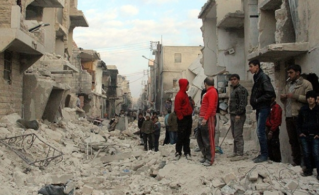 Barrel bomb attack kills 16 in Syria