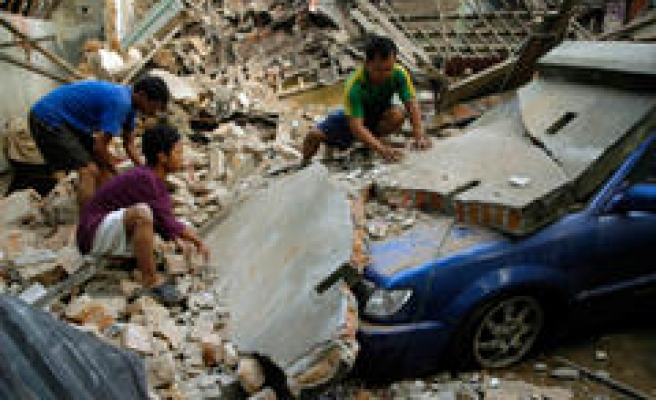 World Sends Condolence; Offers Aid To Quake Victims