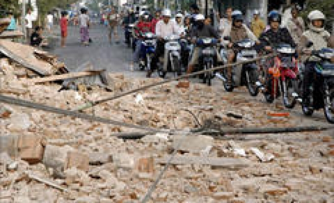 Toll jumps in Indonesia earthquake