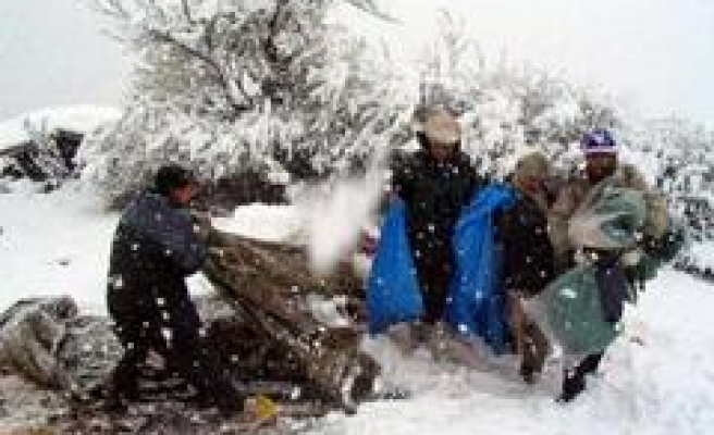 Snow May Hinder Quake Relief in Pakistan