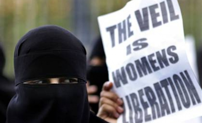 France's Socialists challenge govt plan for Islamic veil ban
