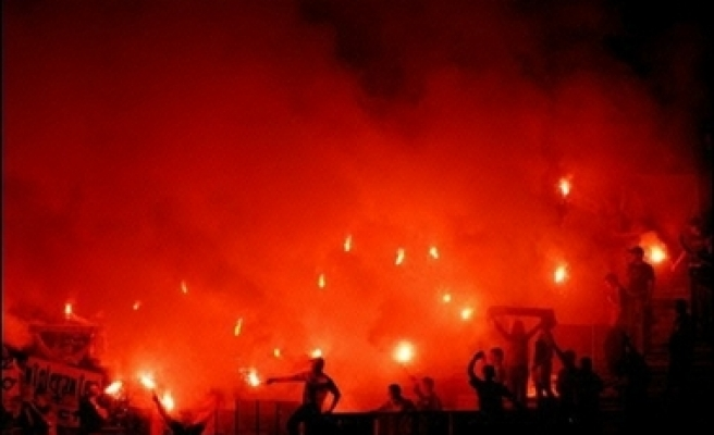 27 fans, 25 policemen wounded in Egypt football violence