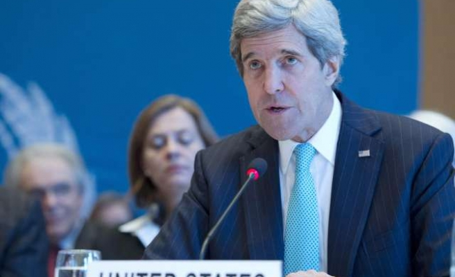 Kerry talks of sanctions on Russian trade, visas, assets