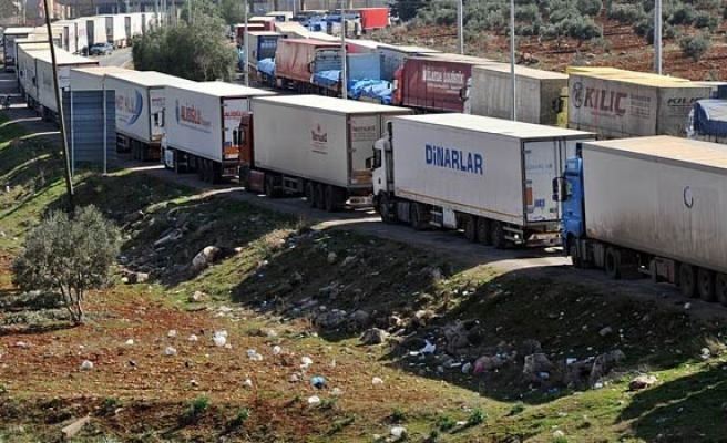 Turkish trucks five day wait in Austria
