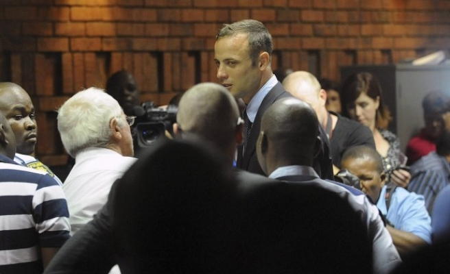 Judge in Pistorius case warns media over leaked photo- UPDATED
