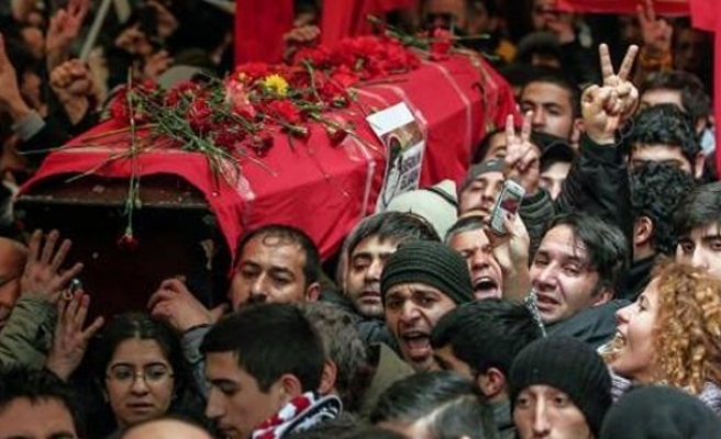 Thousands flock to Turkish boy's funeral