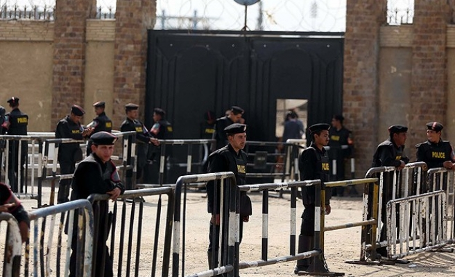 Inmate's death reportedly sparks Egypt jail riot