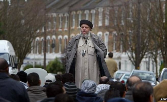 Lawyer claims Abu Hamza worked for MI5