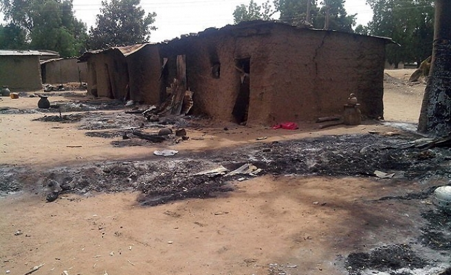 Mosques, churches torched in Nigeria communal clashes