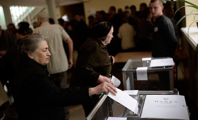 Pro-Russian rebels vote for leader in eastern Ukraine -UPDATED