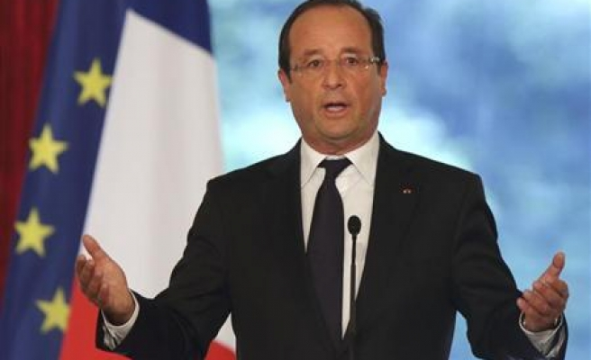 Hollande says Iraq army must do more to end ISIL crisis
