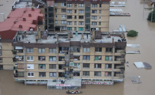 Bosnia, Serbia declares national mourning, flood toll rises