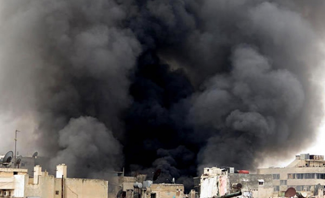 Syria video shows chlorine gas floating in streets- VIDEO