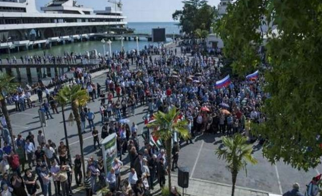 In Russian protege Abkhazia, a cautionary tale for Crimea