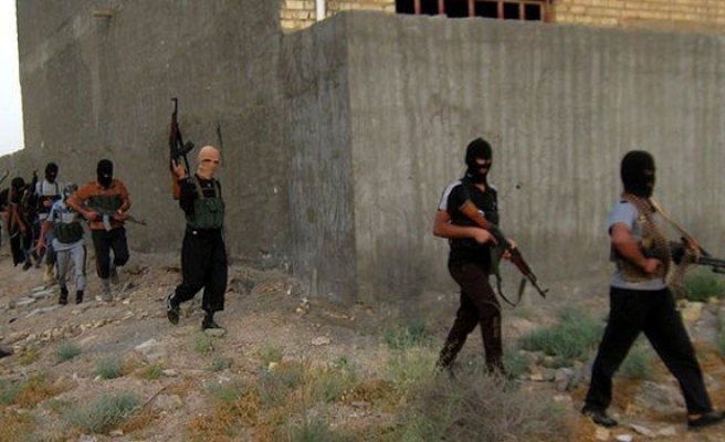 ISIL rebels seize 48 Turks at consulate in Iraq's Mosul-UPDATED