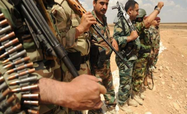 Iraqi, Kurdish forces try to recapture ISIL-held towns