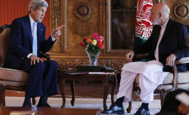 Kerry mediates on second day of Afghan talks