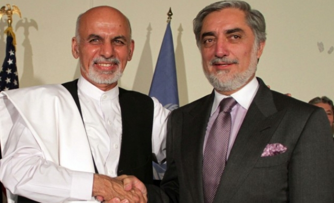 Afghan candidate threatens to pull out of election process